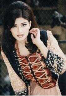 Reema Khan cute hot wallpaper