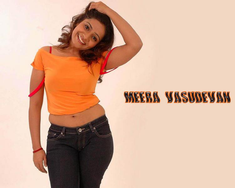 Meera Vasudevan latest cute sweety wallpaper