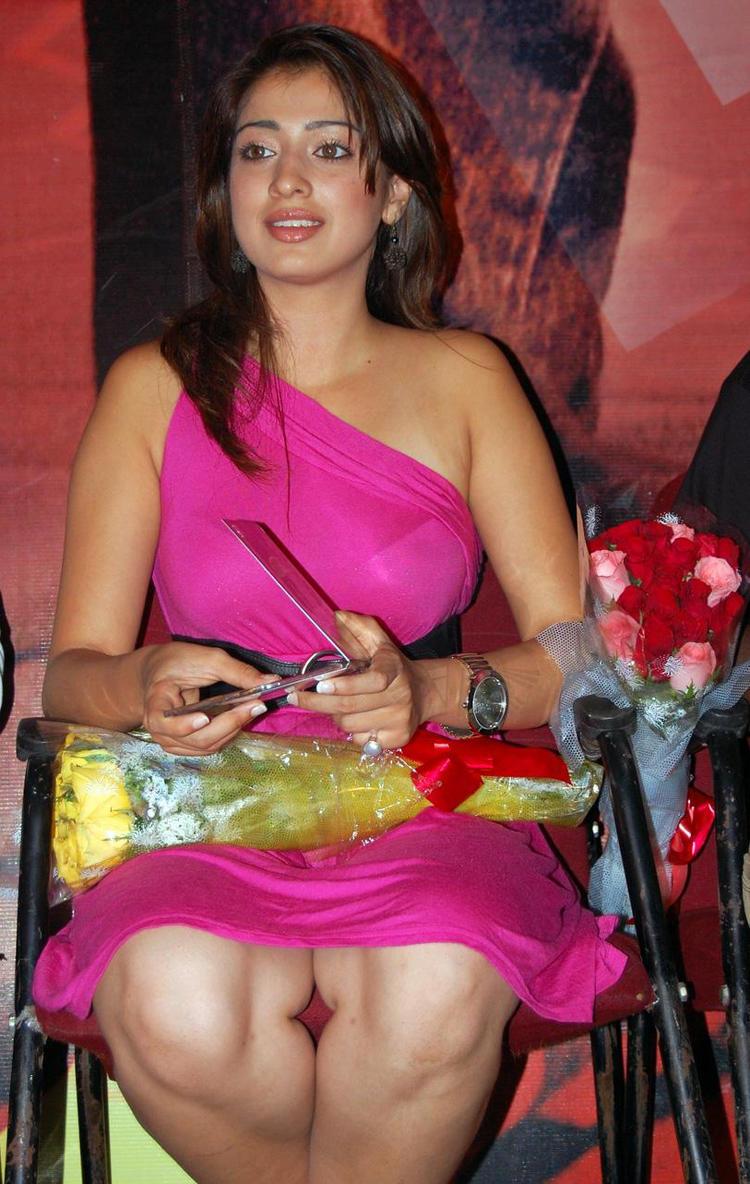 Lakshmi rai press meet hot stills