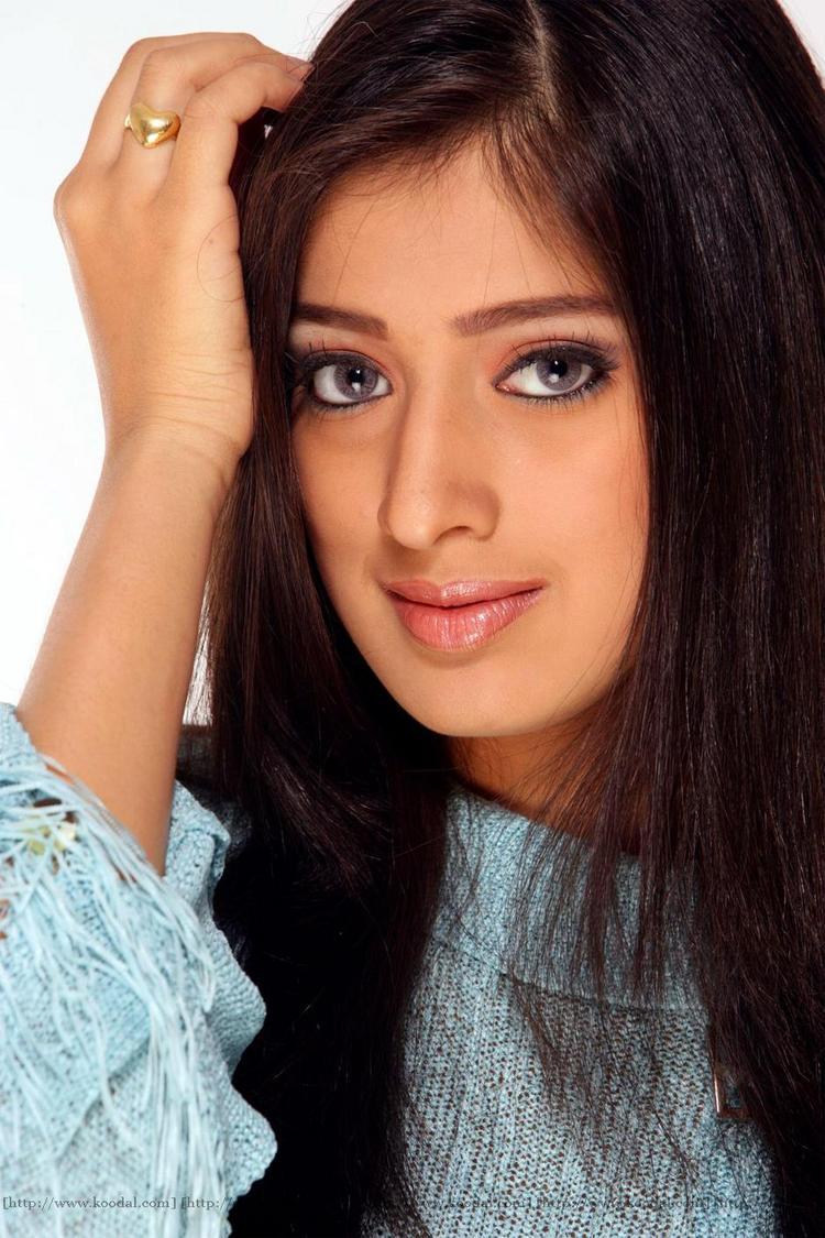 Charming Actress Lakshmi Rai romantic look wallpaper