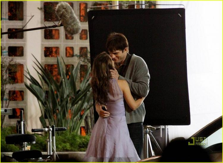 Natalie Portman and Ashton Kutcher romance still