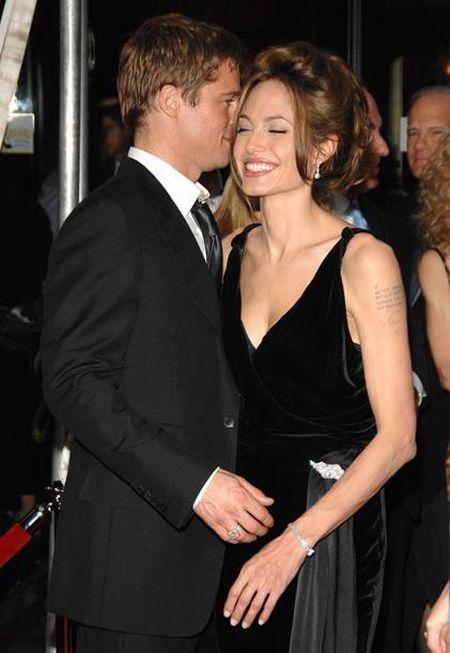 Brad Pitt kiss pics