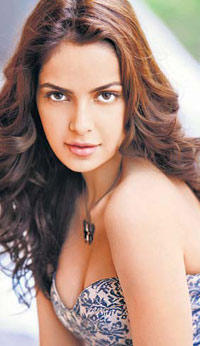 Shazahn padamsee hot scene look
