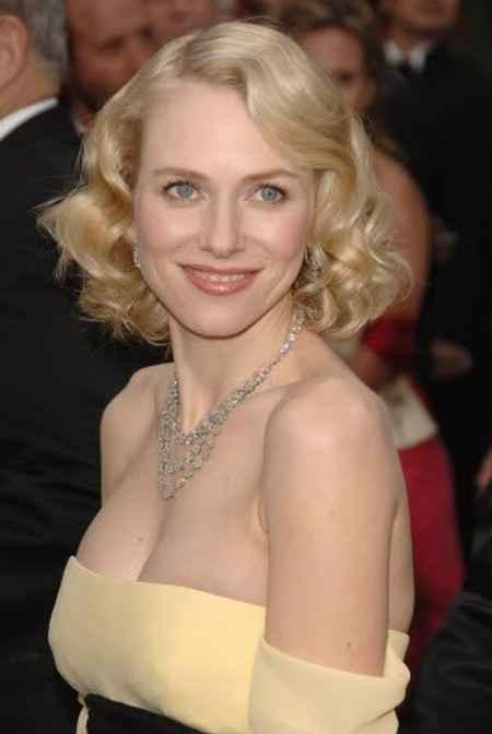 Nicole Kidman yellow color dress cute smile still