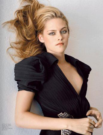 Kristen Stewart  sexy look wallpaper