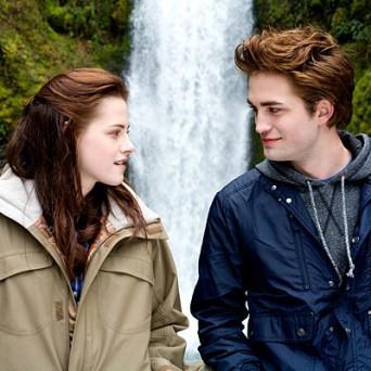 Robert Pattinson and Kristen Stewart  beauty still