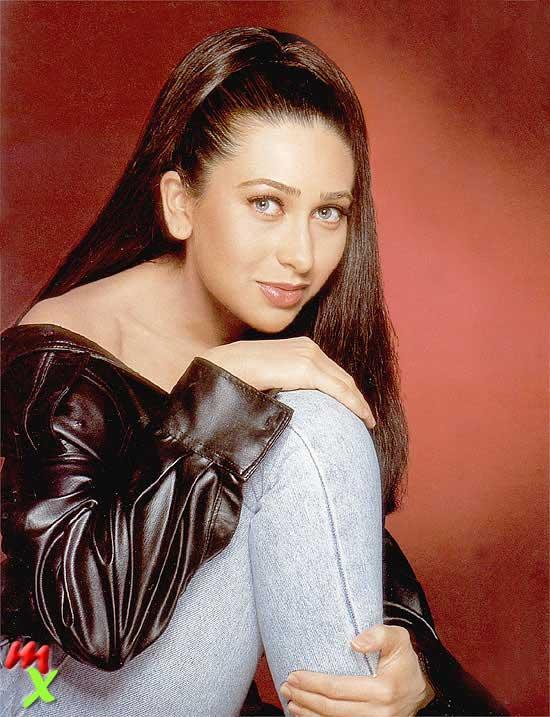 Karishma Kapoor Spicy look