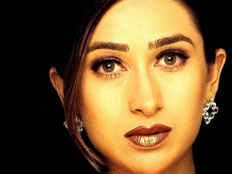 Karishma Kapoor Glazing eyes look