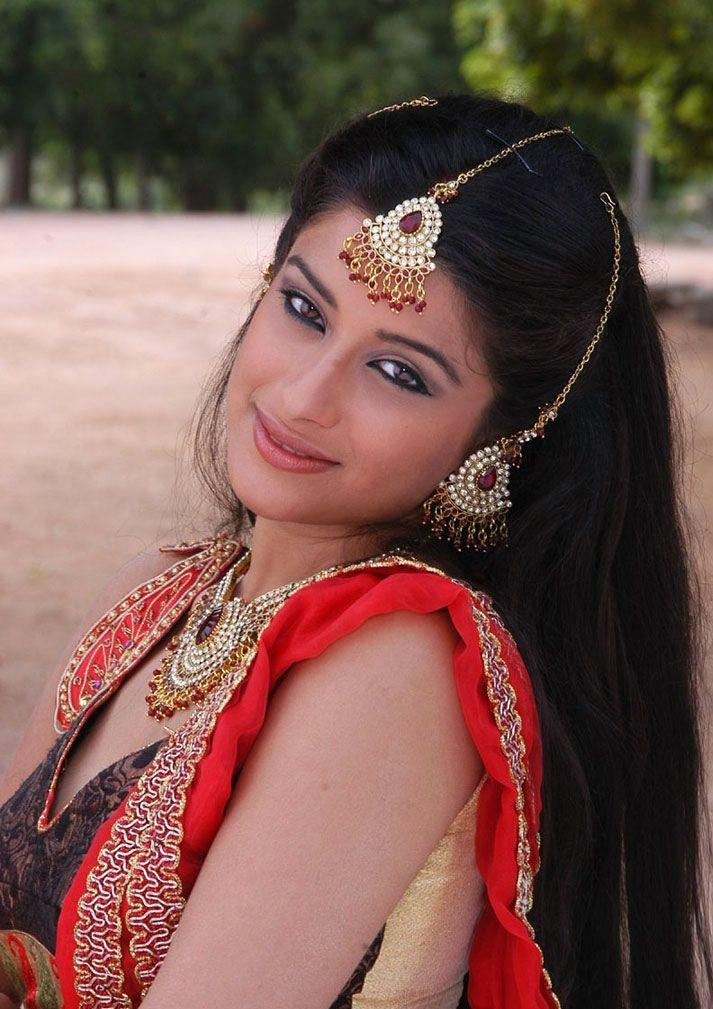 Actress Madhurima cute smile pic