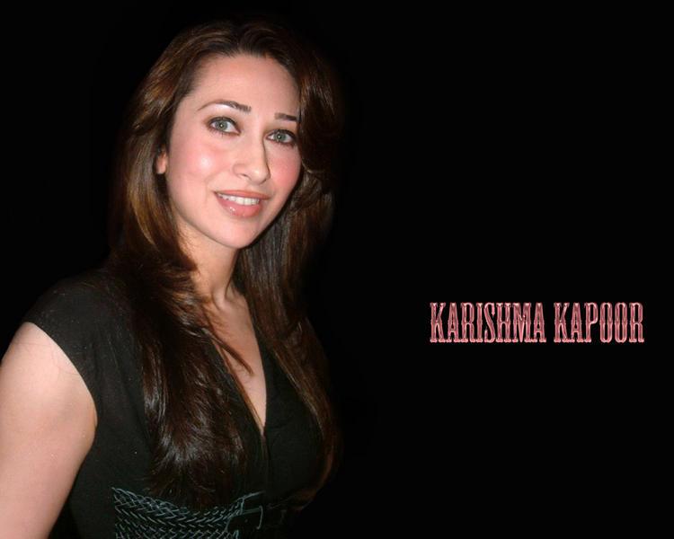 Karishma Kapoor Gorgeous wallpaper