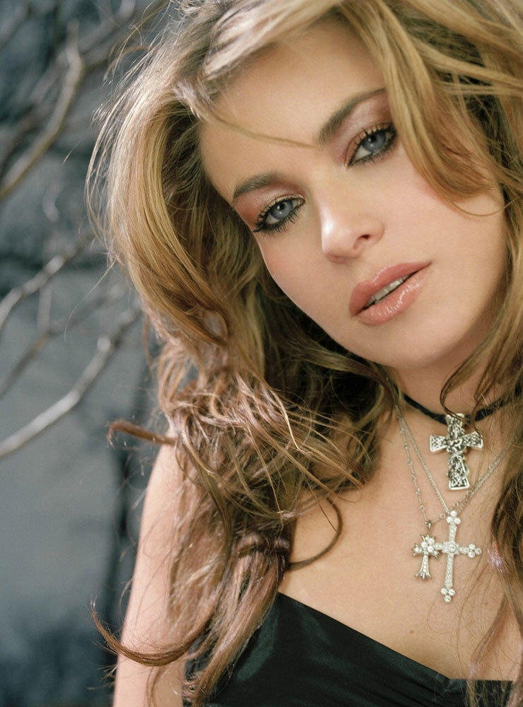 Sizzling Carmen Electra spicy wallpaper