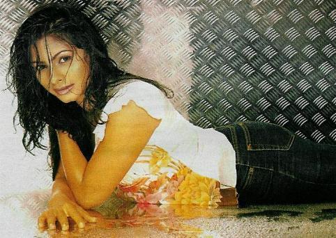 Tanisha Mukherjee sexiest wallpaper