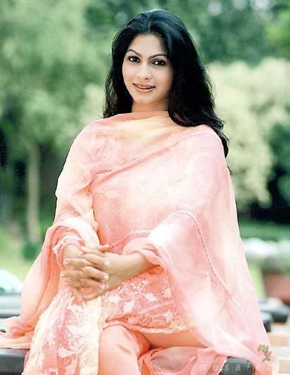 Beautiful Tanisha Mukherjee wallpaper