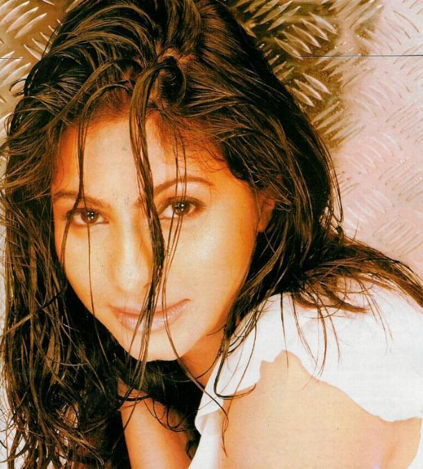 Tanisha Mukherjee black mix brown hair wallpaper