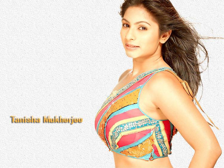 Tanisha Mukherjee glamourous wallpaper