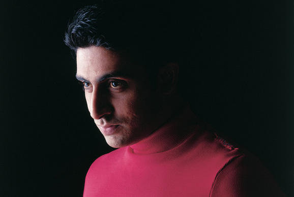 Abhishek Bachchan red t shirt wallpaper