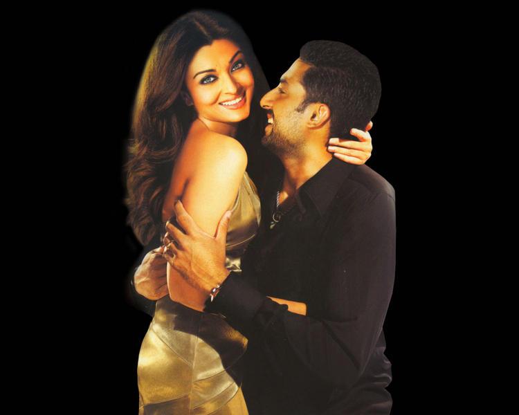 Aishwarya Rai with Abhishek Bachchan glamour still