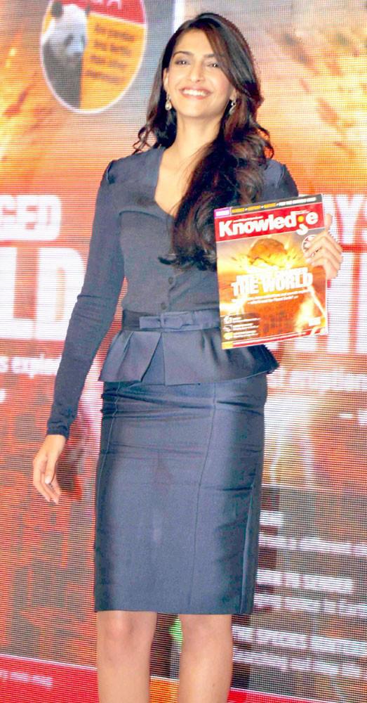 Sonam Kapoor looking very gorgeous