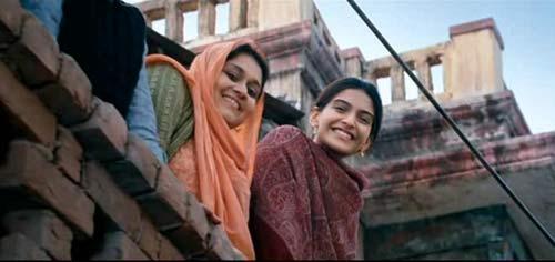 Mausam movie sonam kapoor cute smile pic