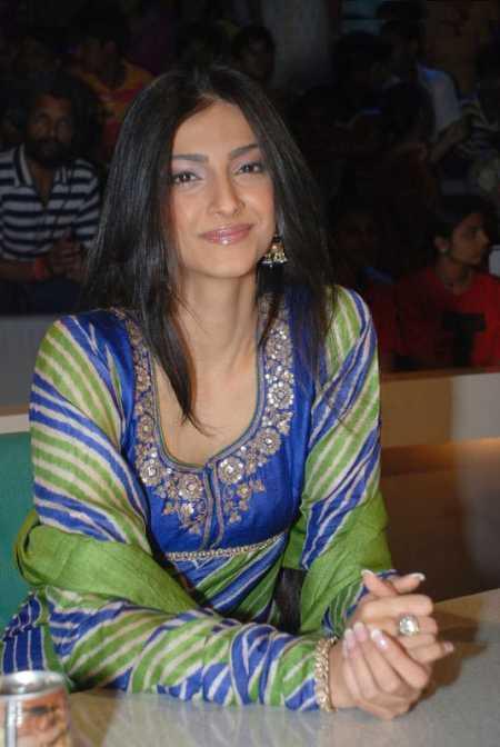 Amazing Sonam Kapoor picture