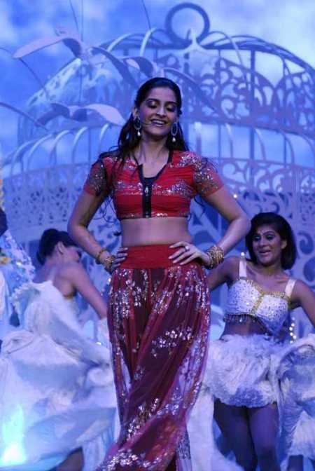 Sonam Kapoor sexy dance still
