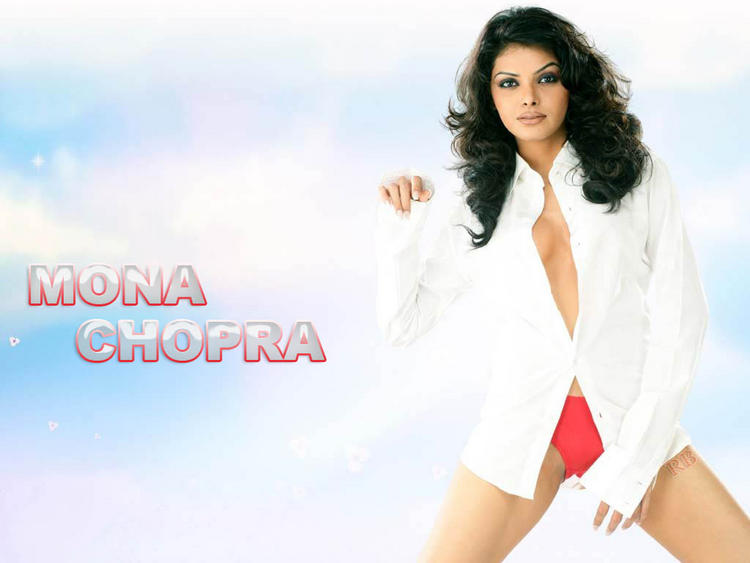 Mona Chopra opening dress wallpaper