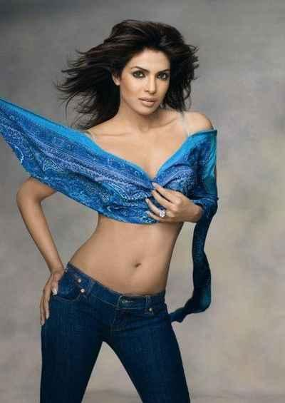 Sexy Priyanka Chopra in tight jeans