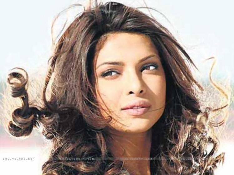 Barfee movie priyanka chopra romantic look