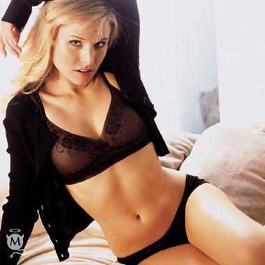 Kristen Bell sexy navel exposing photo