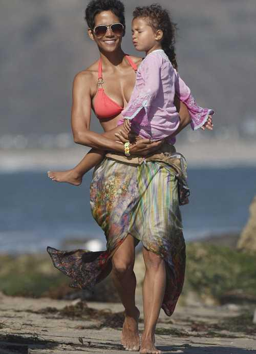 Halle Berry with her daughter