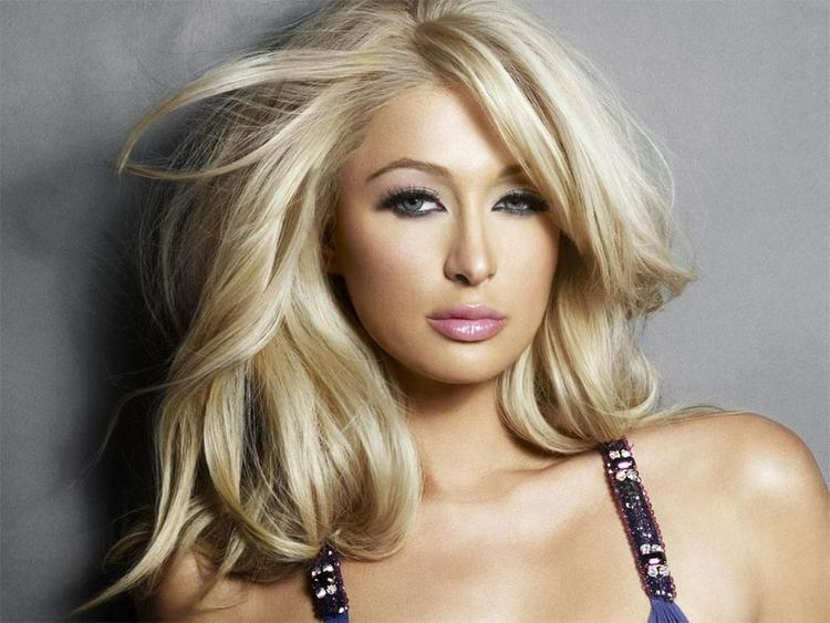 Spicy Paris Hilton sexy wallapper