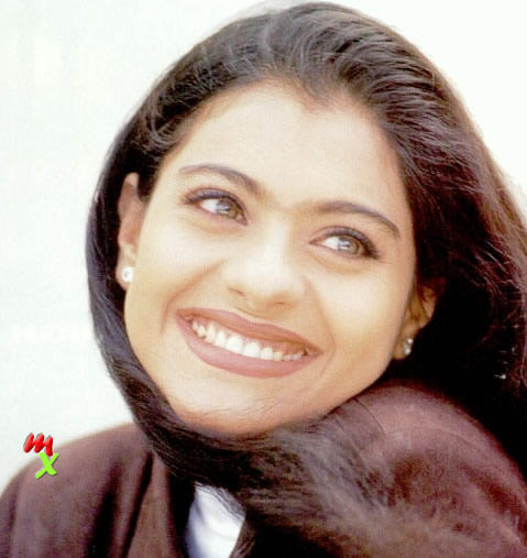 Kajol Devgan beautiful smile pics