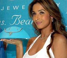 Malaika Arora Khan white dress nice look wallpaper