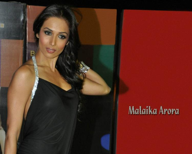 Malaika Arora black color dress wallpaper