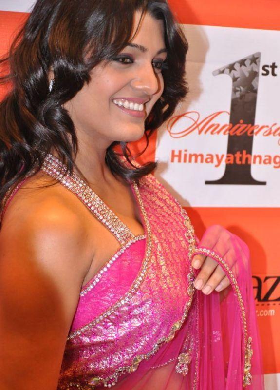 Tashu Kaushik  in pink color saree