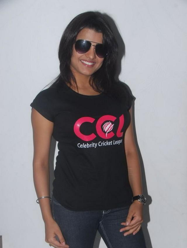 Tashu Kaushik with black tops and tight jeans