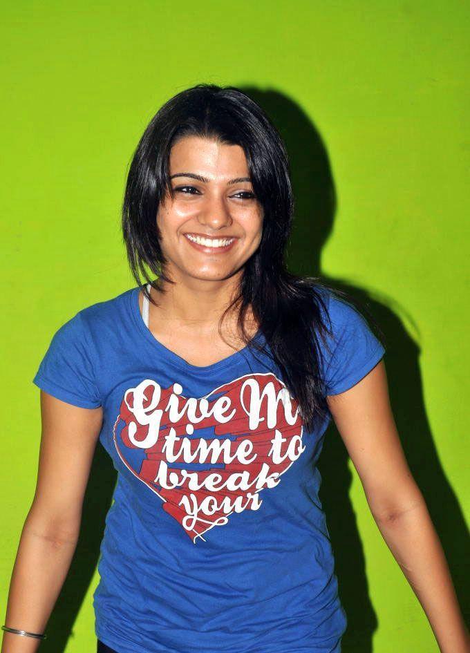 Bubbly Actress Tashu Kaushik  smilling face