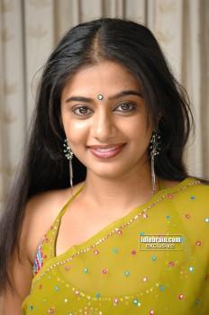 Priyamani beaty still with saree