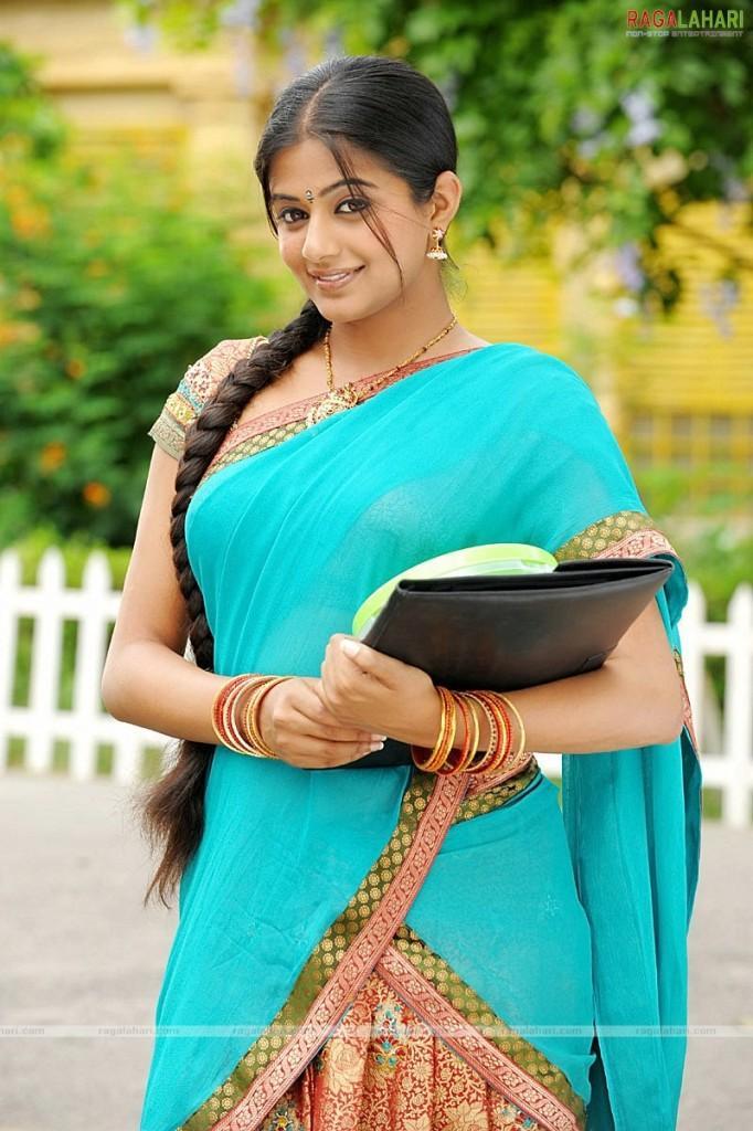 Priyamani south indian look images