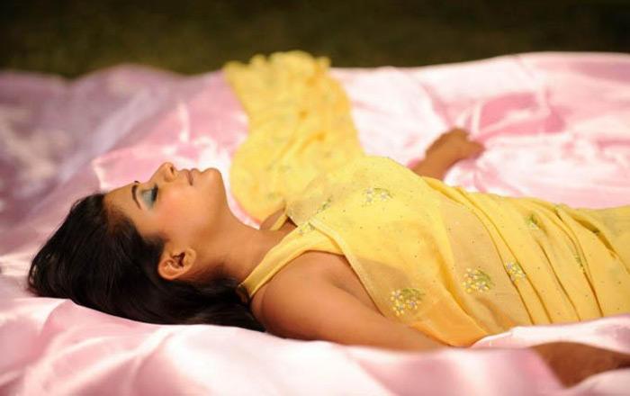 Priyamani yellow color saree Hot Photo
