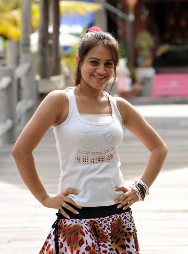 Cute Look of Telugu Actress Kriti Kharbanda