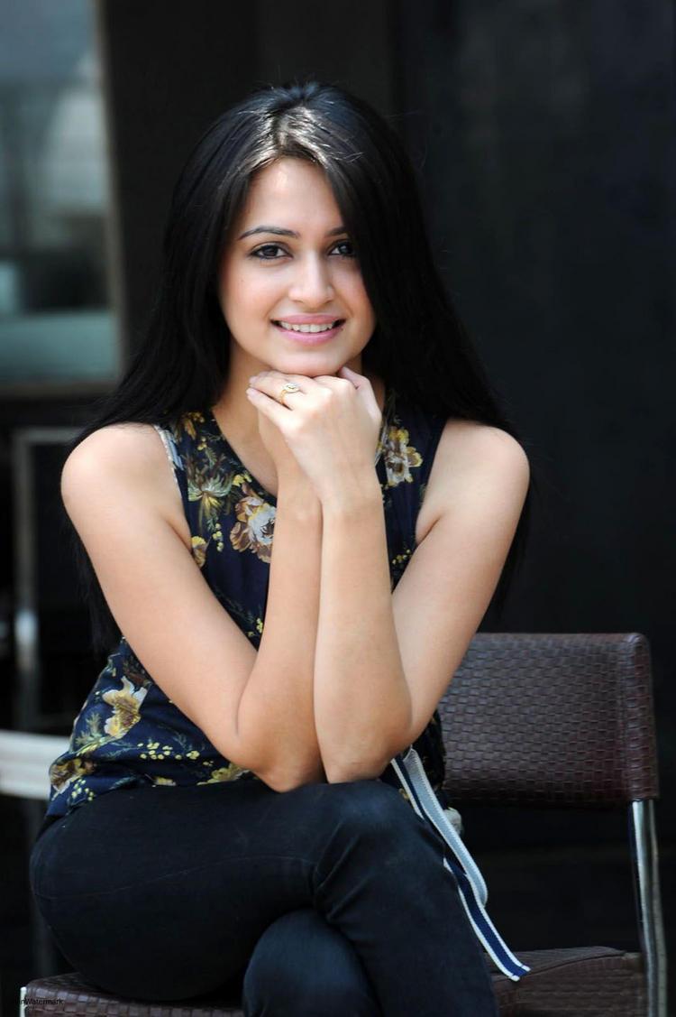 Gorgeous Look of Telugu Actress Kriti Kharbanda