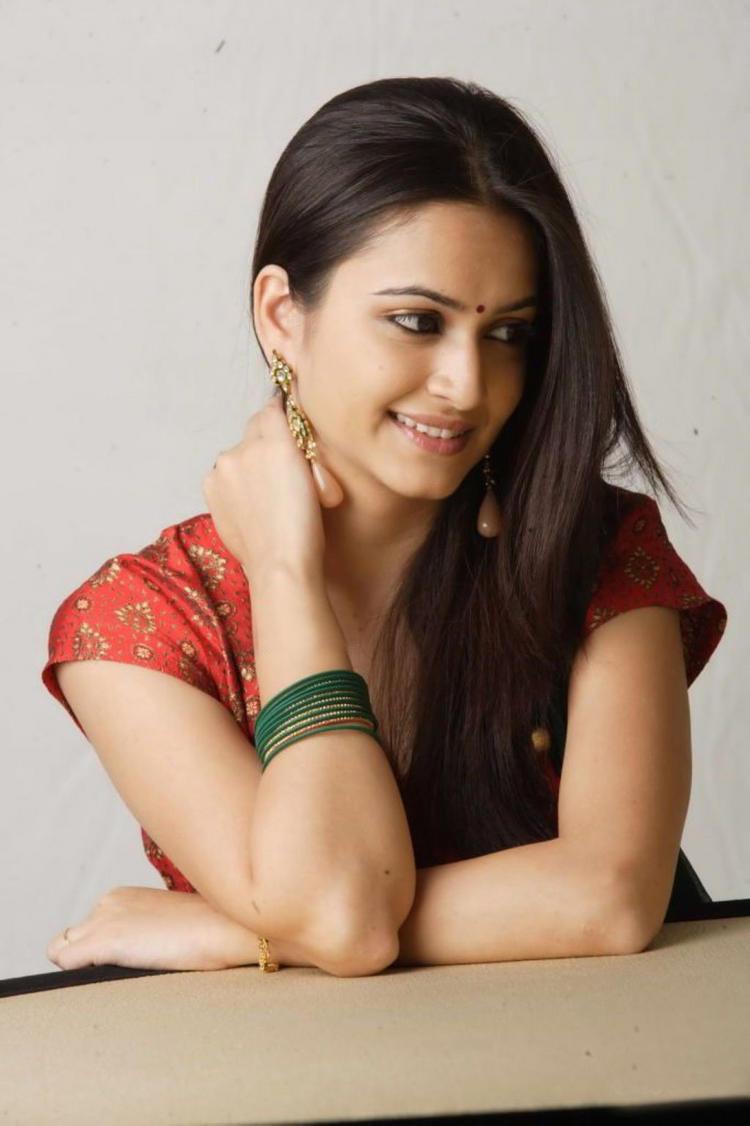 Spicy Look of Actress Kriti Kharbanda still