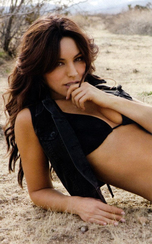 Kelly Brook FHM hot photo shoot