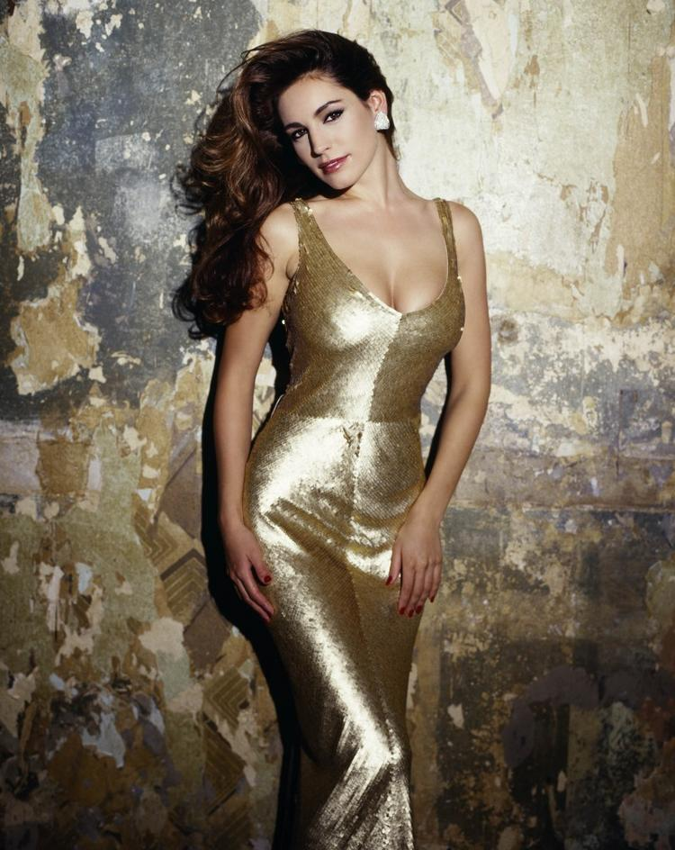 Kelly Brook spicy exposing photo