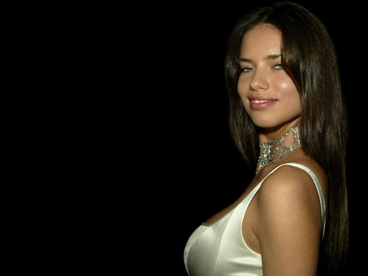 Adriana Lima glamourous wallpaper