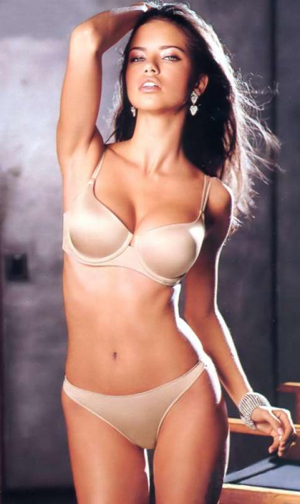 Bikini babe Adriana lima hottest wallpaper