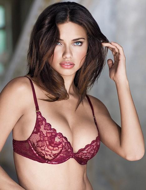 Adriana Lima hot big boob pics