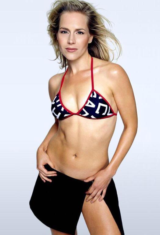 Julie benz bikini hd wallpaper pic