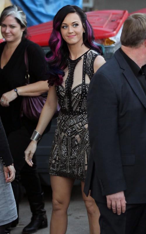 Katy Perry cute lips close up pics